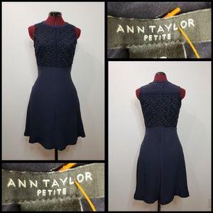ann taylor woman sleeveless dress size 2p navyblue